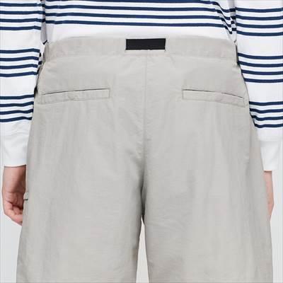 ユニクロのナイロンアクティブショートパンツの後ろポケット