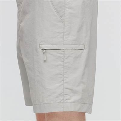 ユニクロのナイロンアクティブショートパンツのサイドポケット
