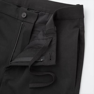 ユニクロのEZYアンクルパンツ(ウールライク・丈標準65~71cm)