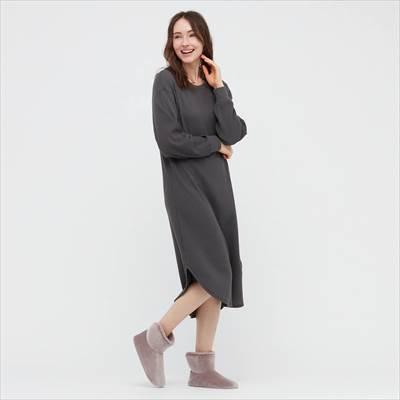 ユニクロの2021年秋冬新作モデルのフリースルームシューズ