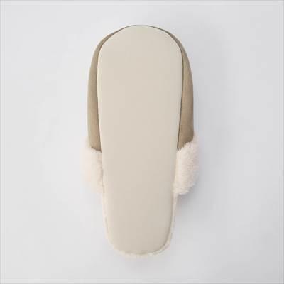 ユニクロの2021年秋冬新作モデルのスウェードライクフリースルームシューズ