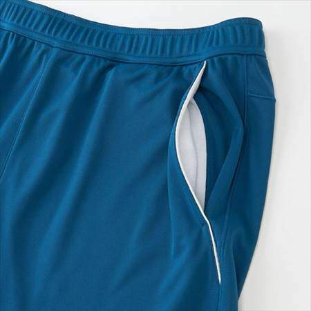 ユニクロのRFドライショートパンツ19AUSのブルーのサイドポケット
