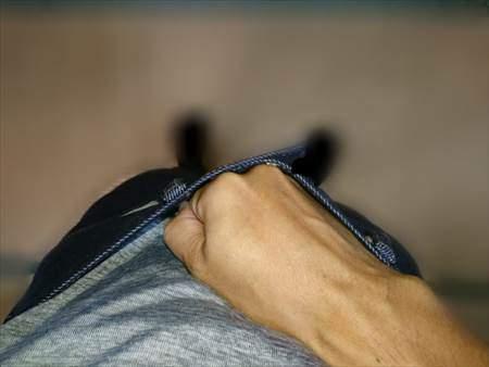 ユニクロのストレッチセルビッジスリムフィットジーンズを乾燥機で縮める前のウエストのあまり具合