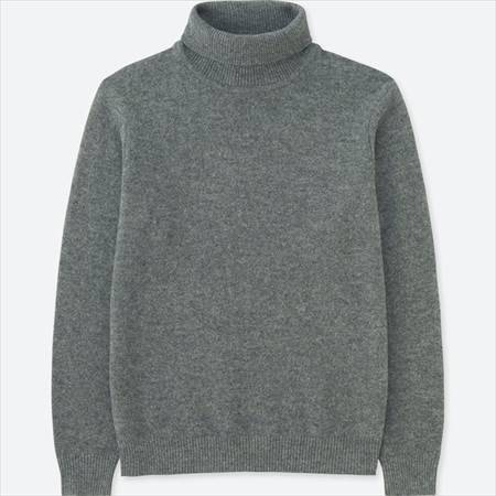 ユニクロのプレミアムラムタートルネックセーターのグレー