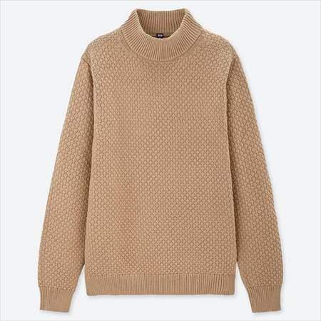 ユニクロのミドルゲージモックネックセーター