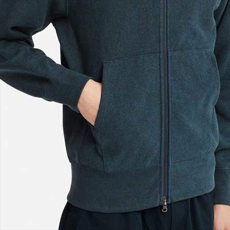 ユニクロUのスウェットフルジップパーカ(長袖)のサイドポケットのアップ