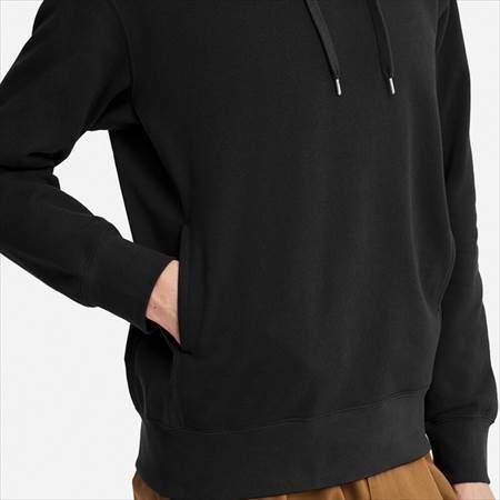 ユニクロUのスウェットプルパーカ(長袖)のサイドポケット