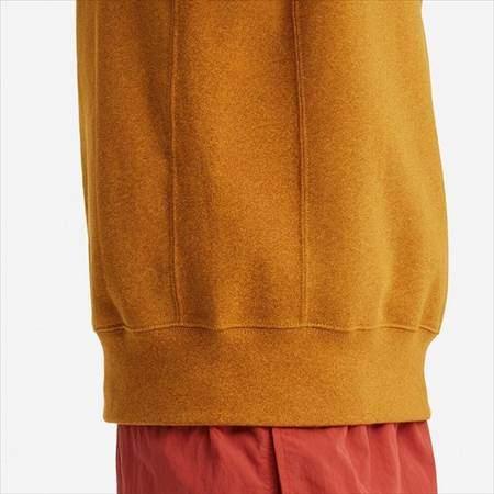 ユニクロUのスウェットシャツ(長袖)のサイドライン