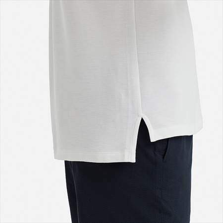 ユニクロUのスーピマコットンポロシャツ(半袖)のサイドラインと裾のアップ