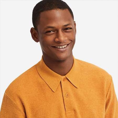 ユニクロUのポロシャツ(半袖)の襟もとのアップ