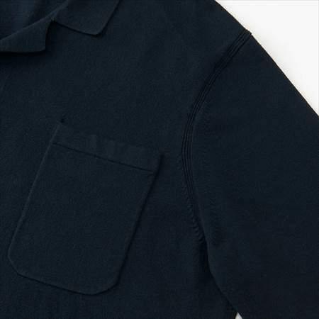 ユニクロUのコットンカシミヤニットシャツ(長袖)の胸ポケットのアップ