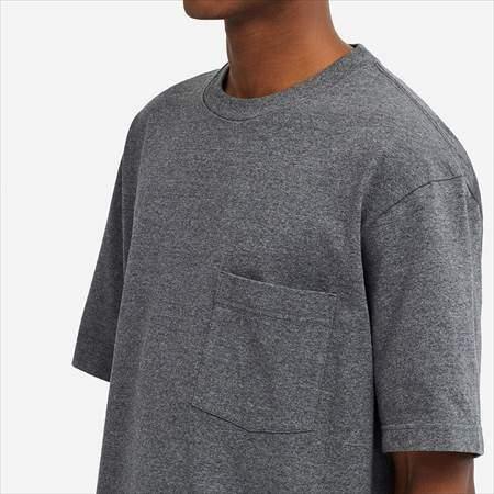 ユニクロUのオーバーサイズクルーネックT(半袖)の胸ポケット