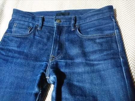 ユニクロのセルビッジジーンズを9か月はいた状態のフロント部分