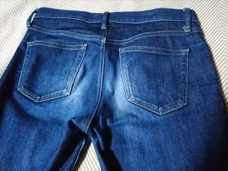 ユニクロのセルビッジジーンズを9か月はいた状態のお尻部分