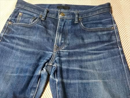 ユニクロのセルビッジジーンズを1年半履いた状態のフロント部分