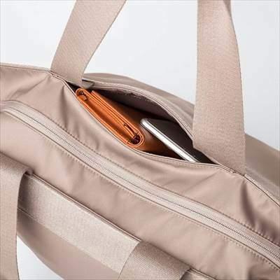ユニクロのナイロントートバッグ