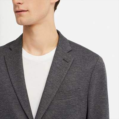 ユニクロのコンフォートジャケット(丈標準)の襟