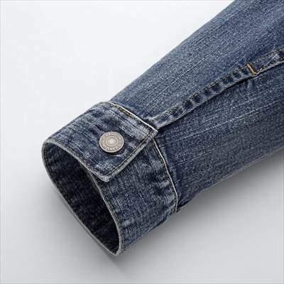 ユニクロのデニムジャケット