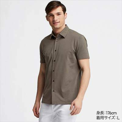 ユニクロのフルオープンのエアリズムポロシャツ(半袖)