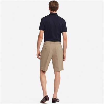 ユニクロの感動ショートパンツ(丈標準24~27cm)を履いている男性