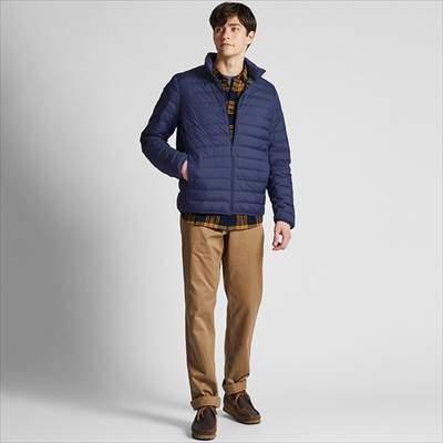 ユニクロのウルトラライトダウンジャケットを着ている男性