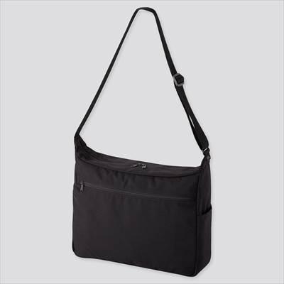 ユニクロのショルダーバッグ(男女兼用)