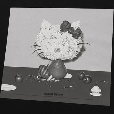 ユニクロのハローキティ T マーケット BY 吉田ユニ UT ハローキティ(半袖・リラックスフィット)