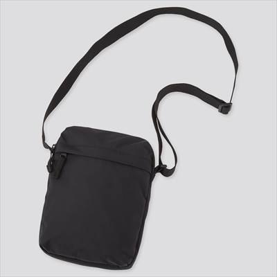 ユニクロのミニショルダーバッグ(男女兼用)