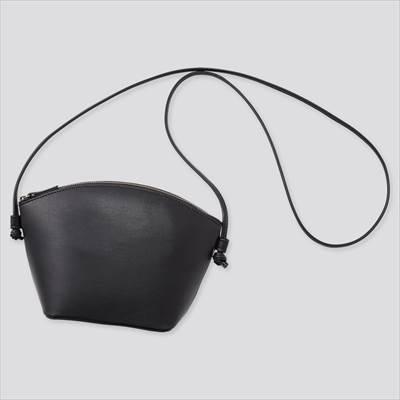 ユニクロのハーフムーンミニショルダーバッグ