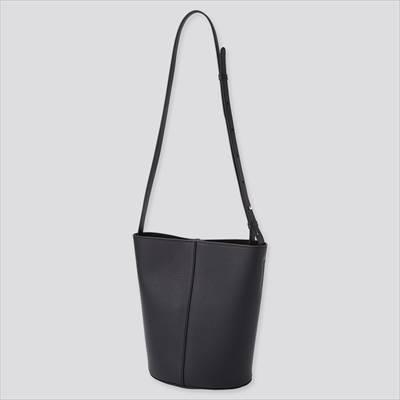 ユニクロのレザータッチ バケットバッグ