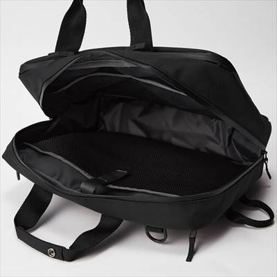 ユニクロの3WAYバッグ