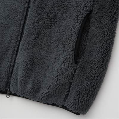 ユニクロの2021年秋冬の新作モデルの防風アウターフリースジャケット(長袖)